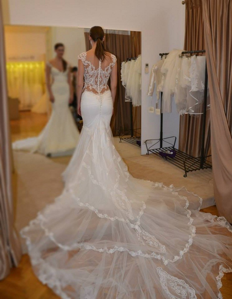 Custom Made Vestidos De Noiva 2016 Gorgeous Appliques Lace Pearl Mermaid Wedding Dresses With Long Train Bridal Gown See Through