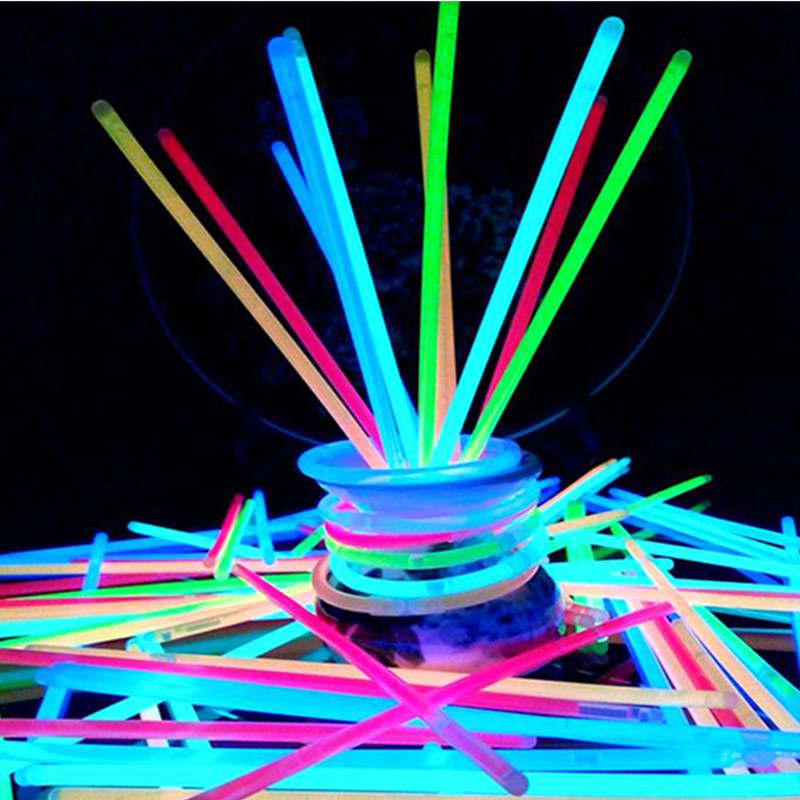 100pcs Party Fluorescence Glow Sticks Bracelets Fun Necklace Neon For Wedding Birthday Concert Supplies Colorful Bright Lights