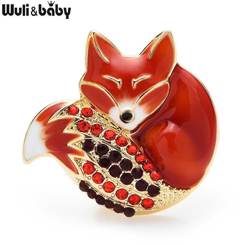 Wuli & baby Schlafen Fuchs Broschen 6 Farben Emaille Körper Voller Strass Sparklin Schwanz Fuchs Pins Niedlichen Tier Abzeichen Neue jahr Geschenk 2021