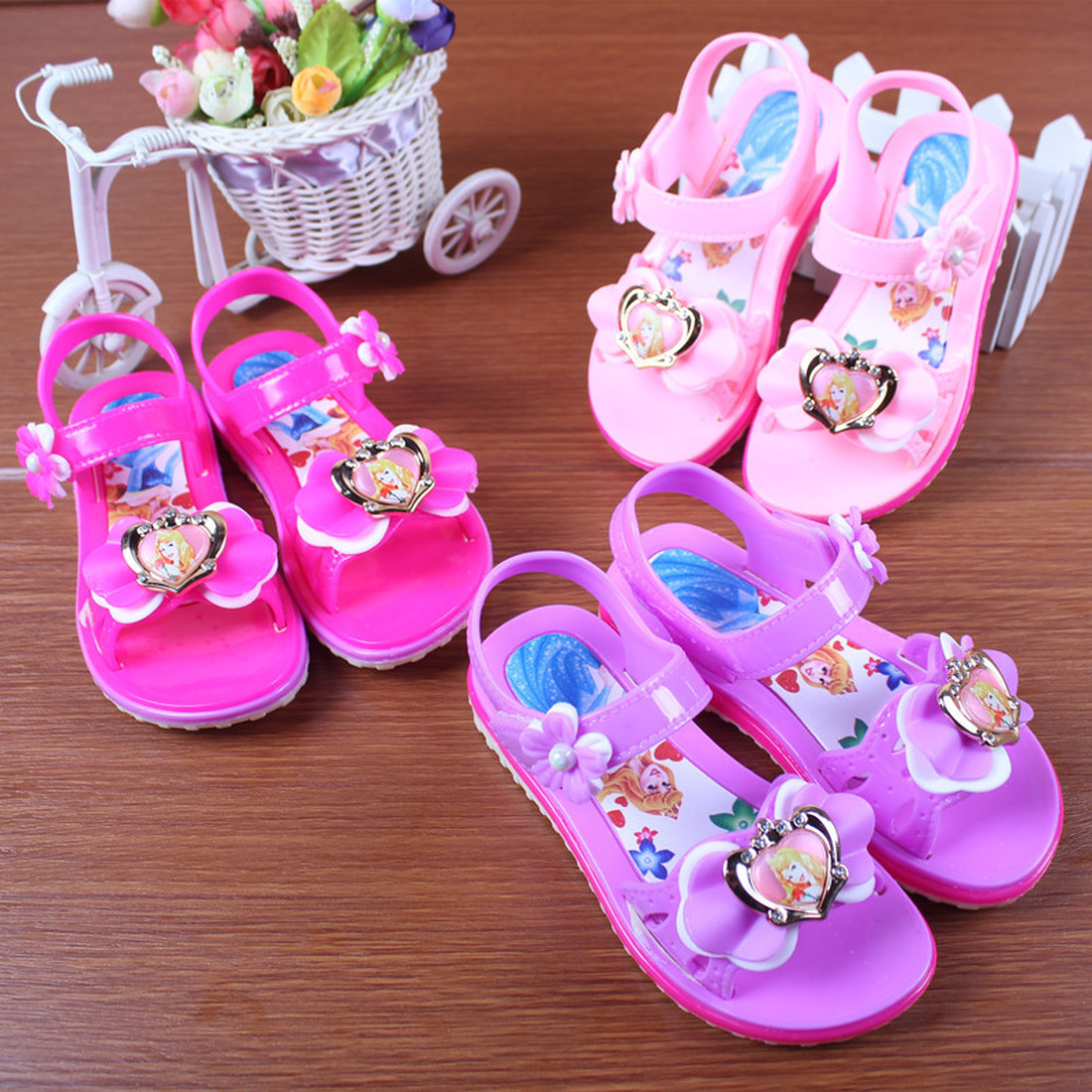 Toddler Girl Sandals Summer Soft Bottom Beach Shoes Little Girl Fashionable Princess Sandals Children Casual Shoes Student Flats