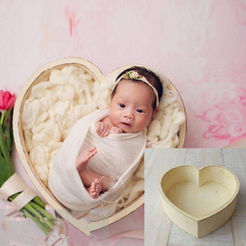 Baby Photography Props Wooden Heart Shape Box Newborn Infants Photo Posing Prop