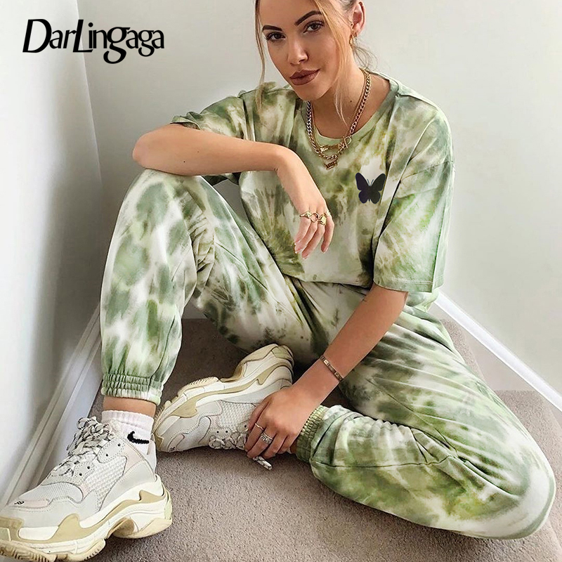 Darlingaga Streetwear Tie Dye Two Piece Set Women Tracksuit Butterfly Print Crop Tops And Sweatpants Matching Sets Workout 2020