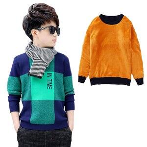 Image 1 - Chłopcy zimowy aksamitny sweter dzieci ciepłe pulowery pluszowe wewnątrz dzianinowe swetry kurtka luźna 4 13T nastoletnia chusta O neck swetry
