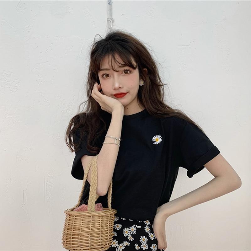 hot sale Korean Flowers embroidery Women T-shirt Summer Short Sleeve Simple Tee shirt Femme Casual Loose t shirt Camisetas Mujer 4