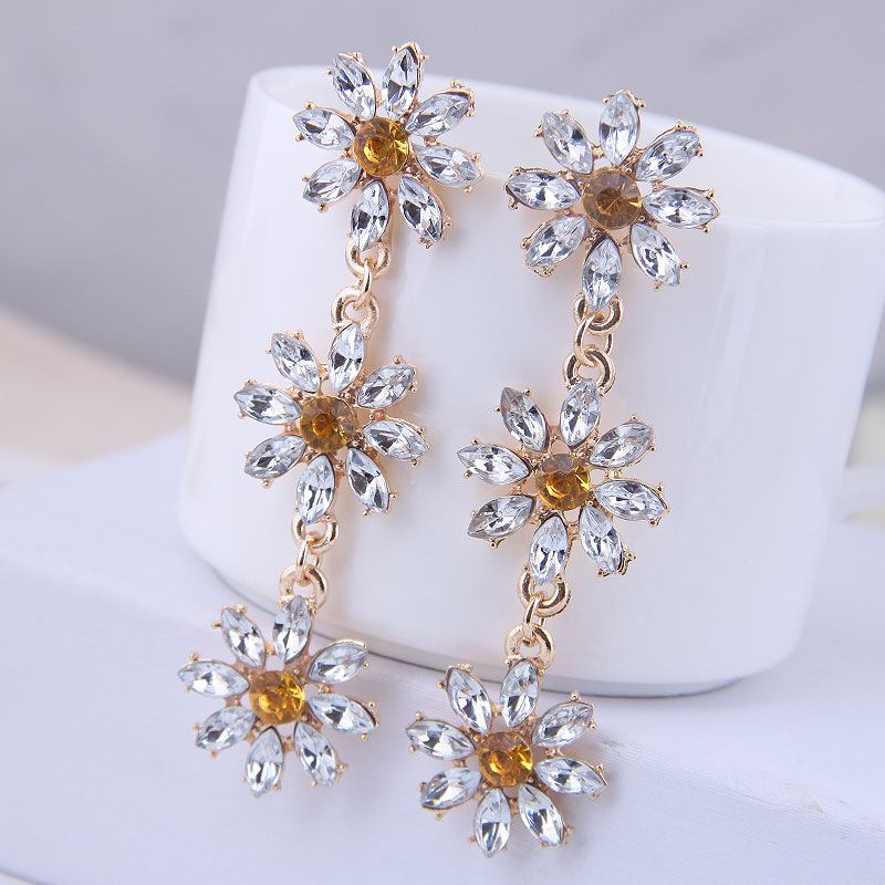 Trend Crystal flower Tassel High Quality elegant Fashion Stud Earrings Prevent Allergy Women's Earrings exquisite