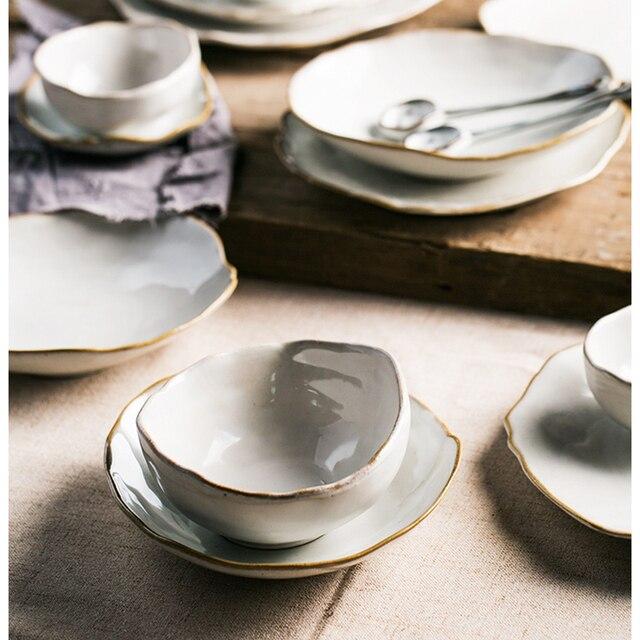 Piatti Irregolari di Ceramica Bianca Fatti a Mano 25