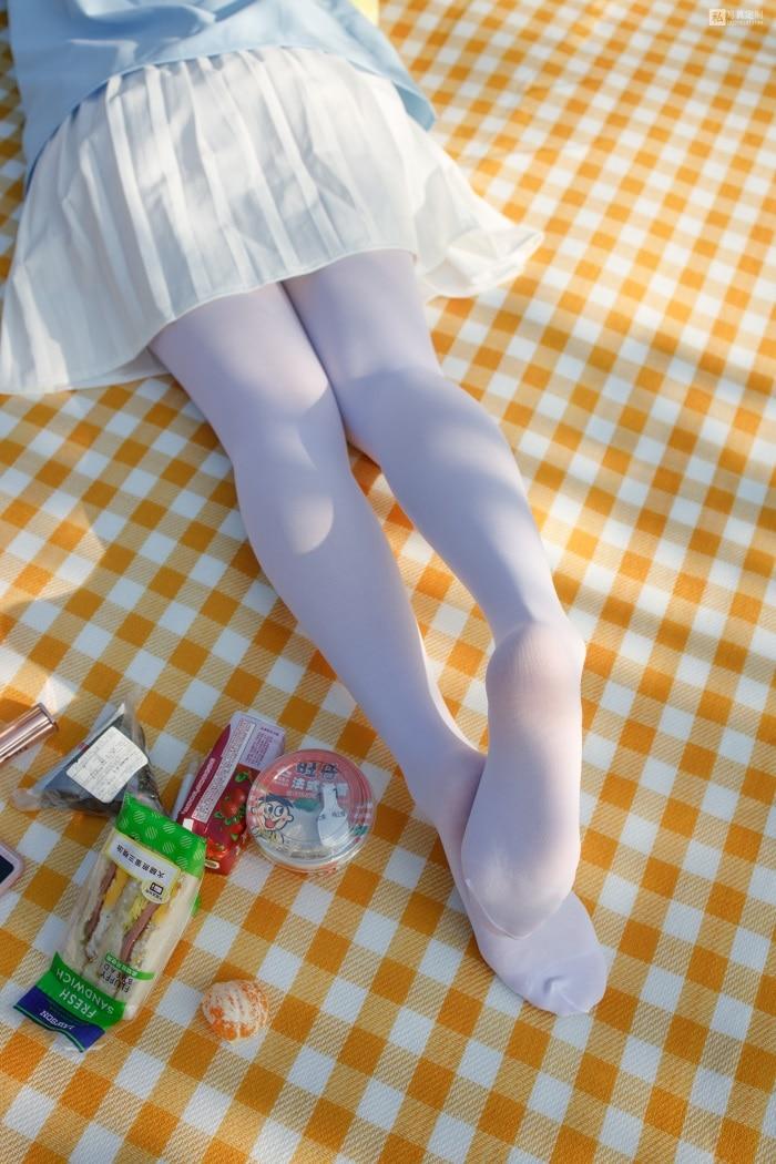 ★丝模写真★森萝财团-JKFUN-030《野餐、爆蛋和彩蛋》踩物白丝50D默陌[23P/1V/1.35G]插图