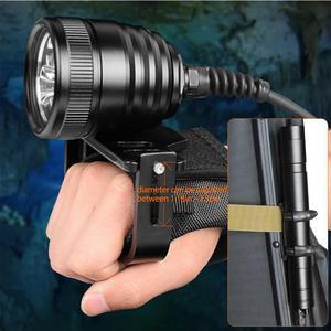 Image 3 - Brinyte DIV10 Tauchen Taschenlampe High Power 150m 3000lm 3x XM L2 LED mit 2M Draht Länge für Professionelle dive