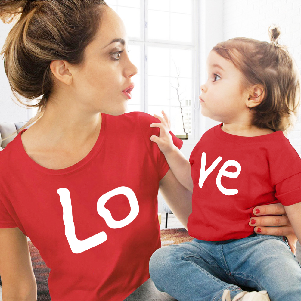 Love Family Matching Clothes Red Cotton Family Look Mommy And Me Clothes Outfits Summer Tops Kids Boys Kawaii T-shirt Clothing