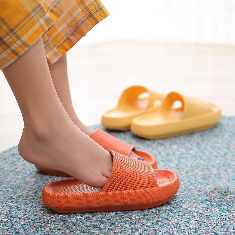 New Quick-drying Thickened Non-slip Sandals Indoor Floor Flat Shoes Summer Flip Flops Bath Home Slippers Female Slipper Comforta