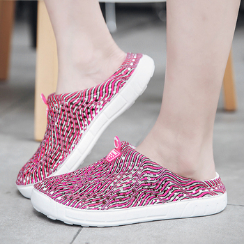 2019 womens casual Clogs Breathable beach sandals valentine slippers summer slip on women flip flops shoes home shoes for women 4