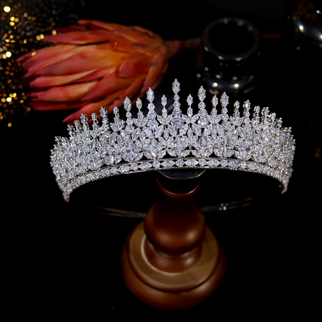 Asnora  luxury women's crown