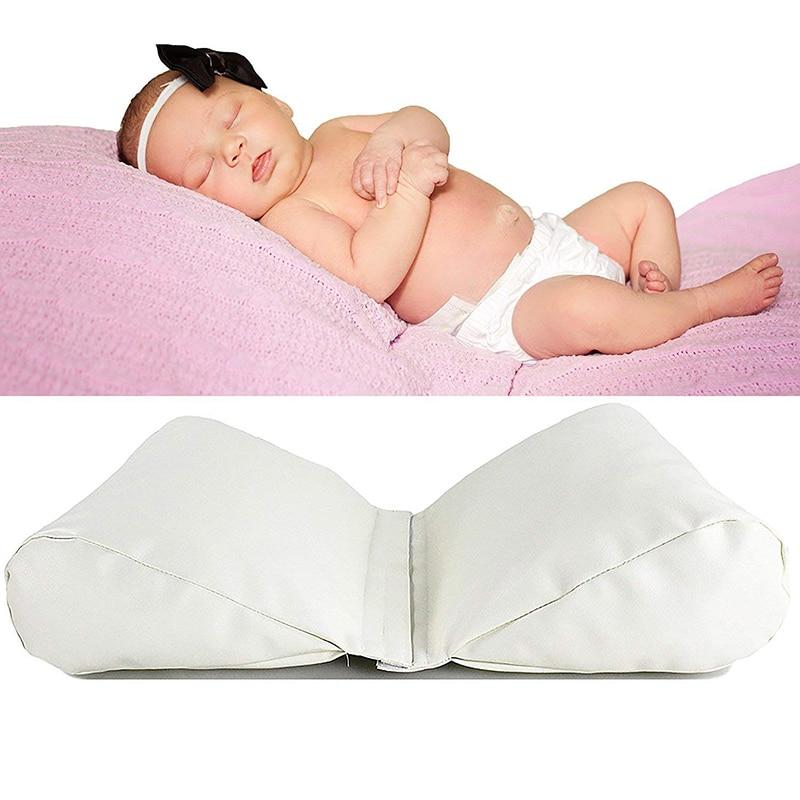 borboleta em forma de algodao travesseiro fotografia branco 05