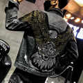 YASUGUOJI nouveau 2019 Style Punk mode aigle brodé Patch Jean veste hommes Denim vestes Streetwear mince noir veste hommes