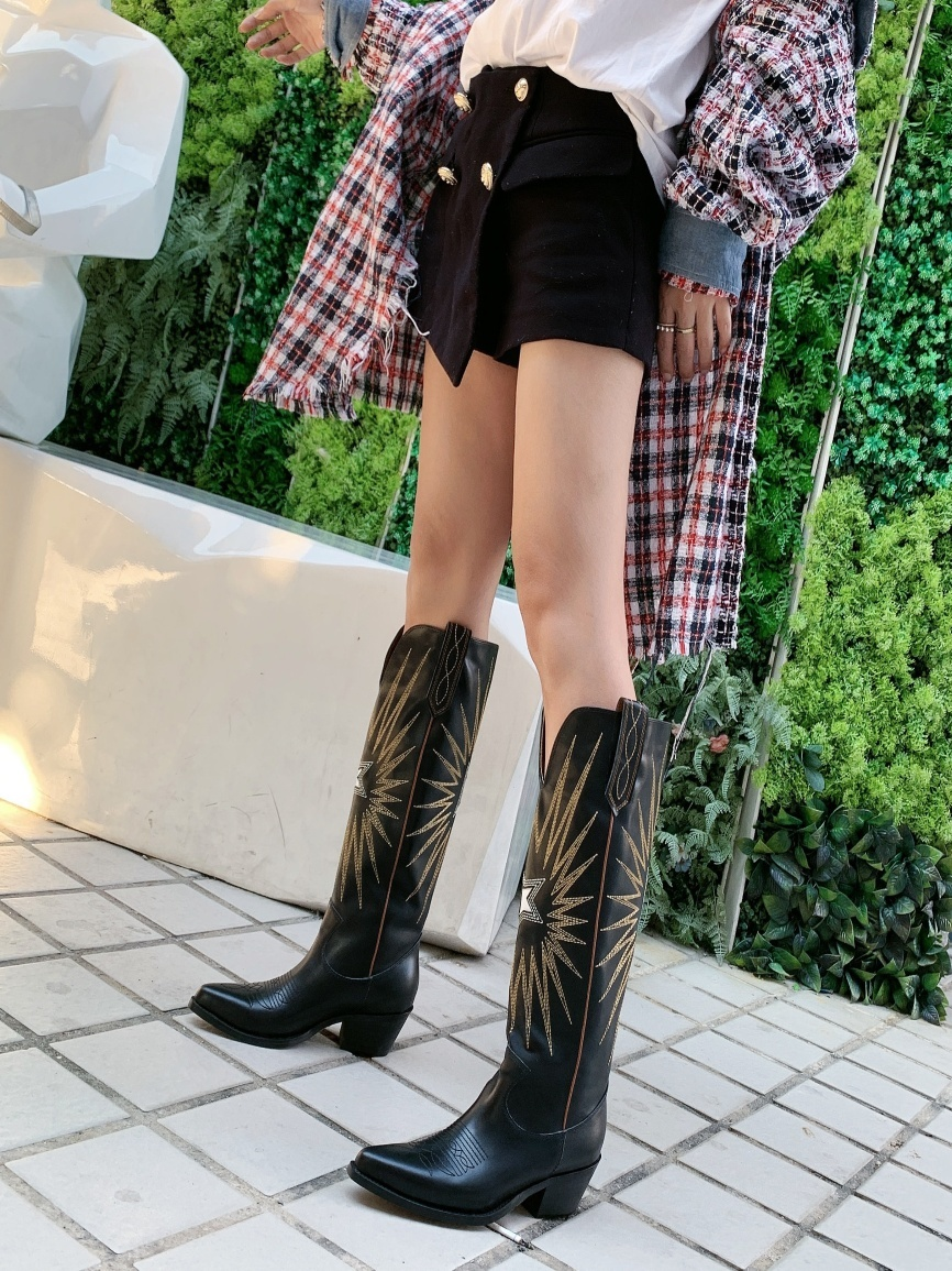 Long Leather Boots Woman Embroidery Decor Booties Street Style Shoes Woman Cozy Luxury Design Stylish Booties 4.5cm Heels