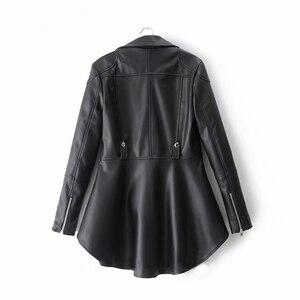 Image 2 - CHICEVER بولي Leather سترة نسائية جلدية التلبيب طوق كم طويل غير متناظرة حجم كبير معطف غير رسمي الإناث 2020 موضة الملابس الجديدة