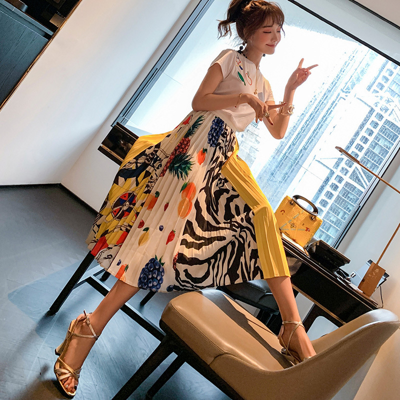 WOMEN'S Dress 2019 Summer New Style Short Sleeve White T-shirt + Printed Pleated Skirt Retro Two-Piece Set