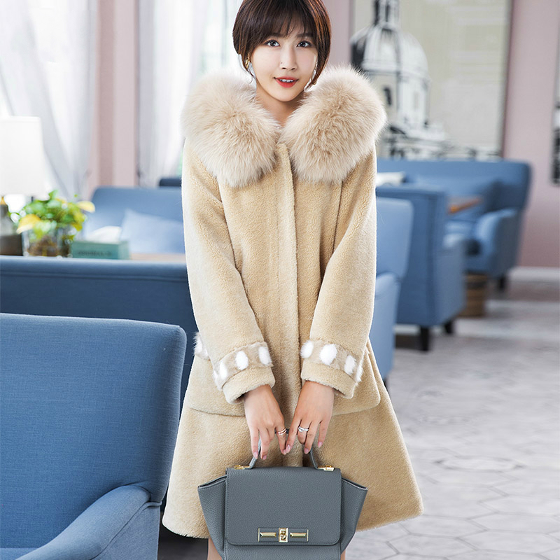 Shearling Sheep 2020 Fur Jacket Real Wool Coats For Women Long Winter Fur Coat Natural Fox Fur Collar Hood 18111 WYQ1885