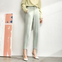 green pant