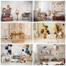 Avion jouets bébé, vieille valise TV téléphone ciment mur fête d'anniversaire enfant Portrait Photo arrière-plan Photo Studio