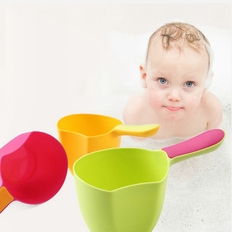 Cartoon Baby Bath Caps Baby Shampoo Cup Children Bathing Baby Shower Spoons Child Washing Hair Cup Kids bath tool Random Colors image