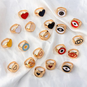 JUST FEEL 2019 New Minimalist Lovely Heart Hollow Rings For Women Lady's Gold Silver Color Heart Evil Eye Finger Ring