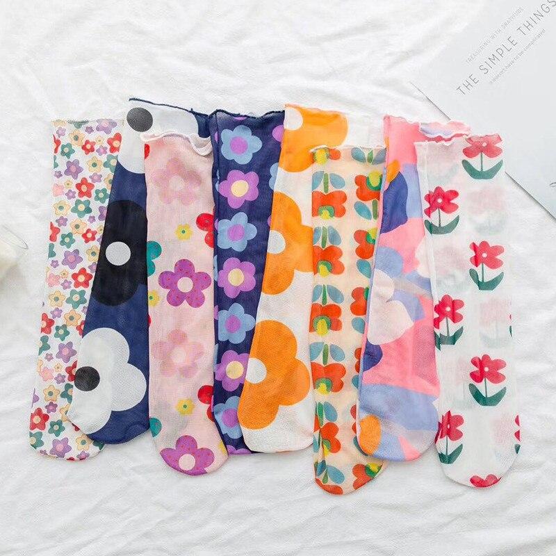 Fashion Web Celebrity Flower Series Literature And Art Girl Cotton Tube Socks Wholesale