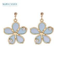 купить Sansummer 2019 New Hot Fashion S925 Silver Needle Resin Flower Pearl Girl Cute Boho Exquisite Casual Earrings For Women Jewelry по цене 81.41 рублей