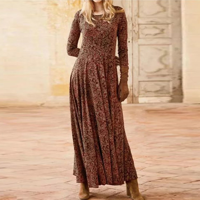 gorgeous long dress with low neckline and knee slit 4
