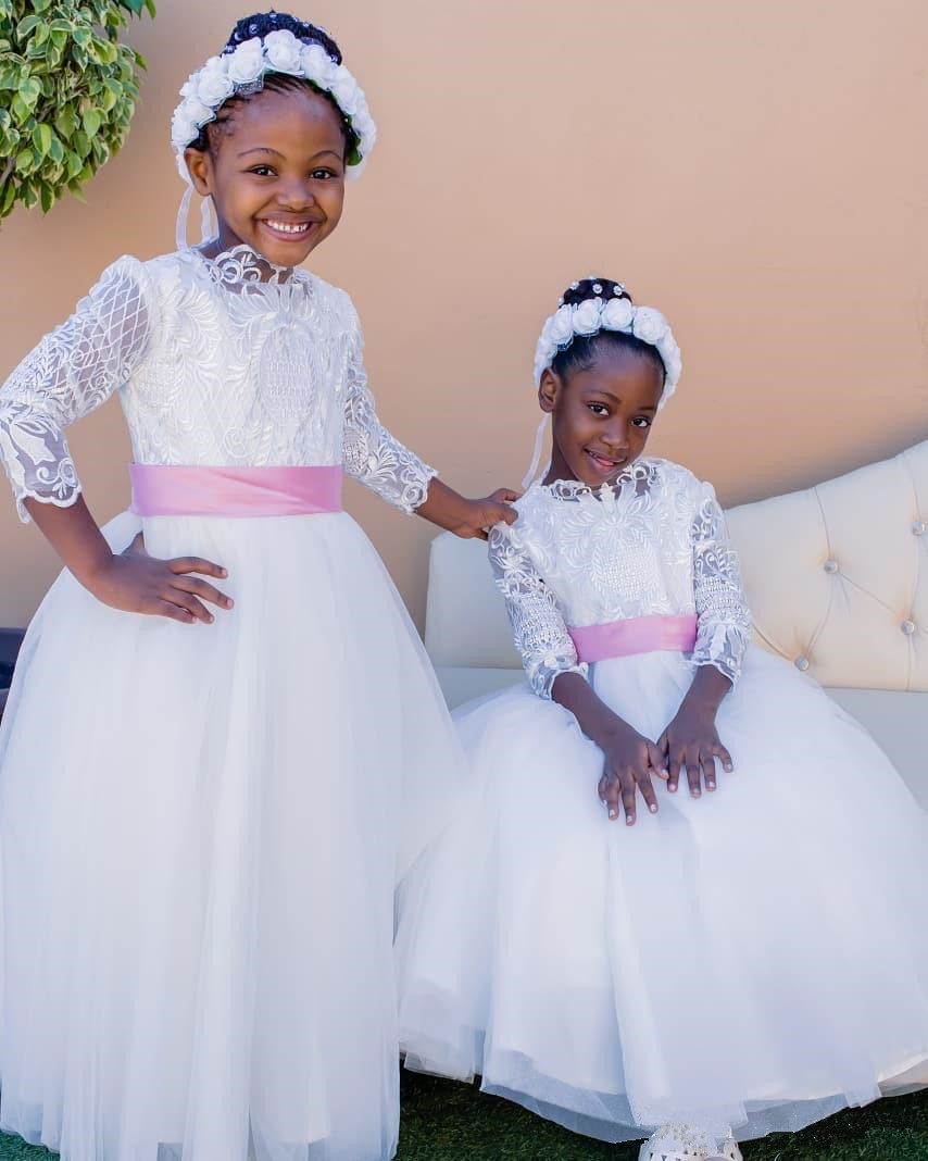 Elegant Lace Appliques Tops Ball Gown Tulle Floor Length   Flower     Girls     Dress   for Weddings Party