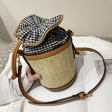 Spring and summer 2019 straw bag Korean fashion shoulder womens personality across small tide