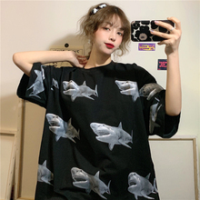 Camiseta de manga corta con estampado de tiburón de dibujos animados para mujer, vestido holgado de yardas grandes, Primavera