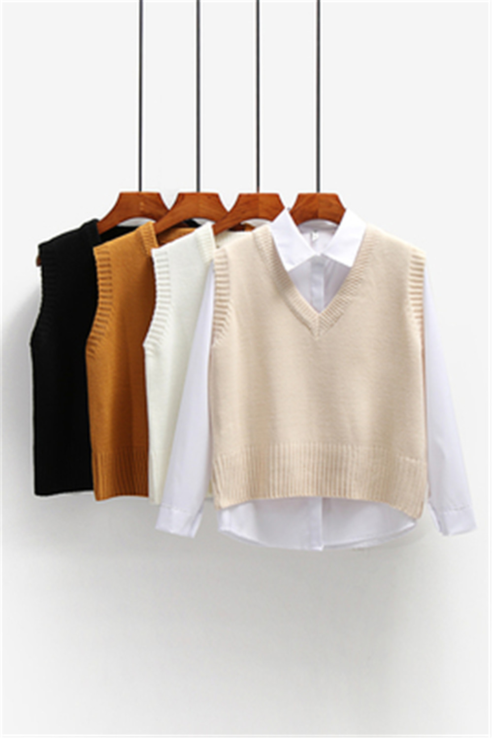 Women Sweater Vest Spring 2021 Autumn Women Short Loose Knitted Sweater Sleeveless Ladies V-Neck Pullover Tops Female Outerwear 2