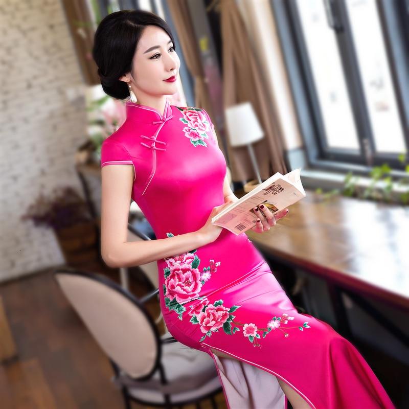 Ladies Satin Long Cheongsam Dresses Purple Elegant Retro Flowers Evening Banquet Tang Clothing Chinese Wedding Dress Qipao