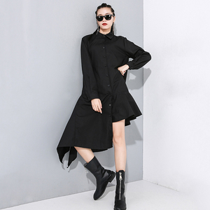 Image 3 - [EAM] Women Black Asymmetrical Pleated Long Blouse New Lapel Long Sleeve Loose Fit Shirt Fashion Tide Spring Autumn 2020 1N202