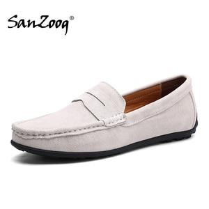 Image 1 - Üzerinde kayma erkek loaferlar deri süet ayakkabı erkekler rahat moccasins Hombre mokasen tekne ayakkabı mokasen adam sürüş yaz Loffers beyaz 47