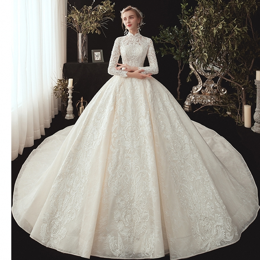 Hot Sale Dubai Wedding Gowns Crystal Flowers Ball Gown Wedding Dresses 2021 New Long Sleeve Muslim Lace Appliques Bridal Dress