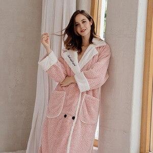 Image 2 - 2019 cardigan inverno pijamas das mulheres quente roupão grosso quente coral velo bordado robe solto roupas de casa sleepwear