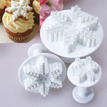 3Pcs Kitchen DIY Snowflake Cake Mold Decorating Fondant Plunger Cutters Mould Cookies Tools Cake Mold Decorating Fondant Tool decorating cookies party