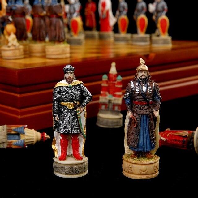 Jeu d'échecs avec personnages en en résine thème de guerre russe mongolie (guerre de la principauté de Ross) 1
