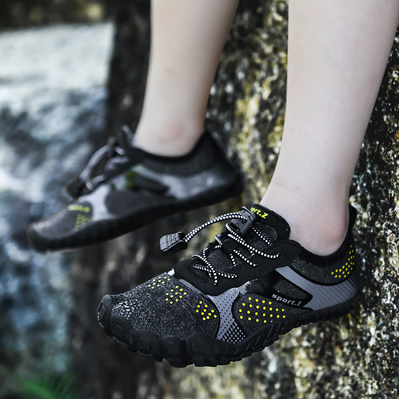 IGxx Water Shoes for Kids Boys Girls Aqua Socks Barefoot Beach Sports Swim Quick Dry Lightweight Walking Hiking Wading Sneakers 6