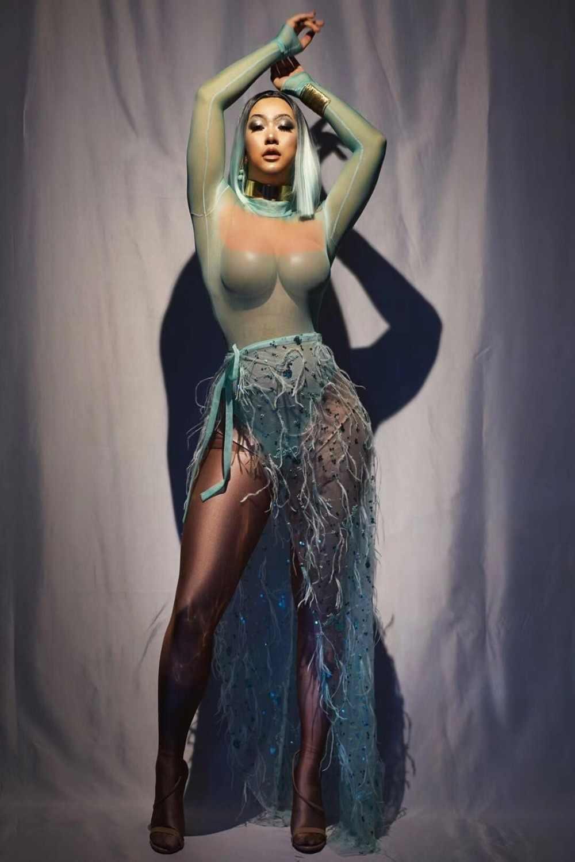 بدلة للجسم جذابة بأكمام طويلة مزينة بالترتر الأخضر مع ريشة شبكية وذيل طويل طقم بدلة راقصة للسيدات طقم بدلة للجسم للحفلات الراقصة