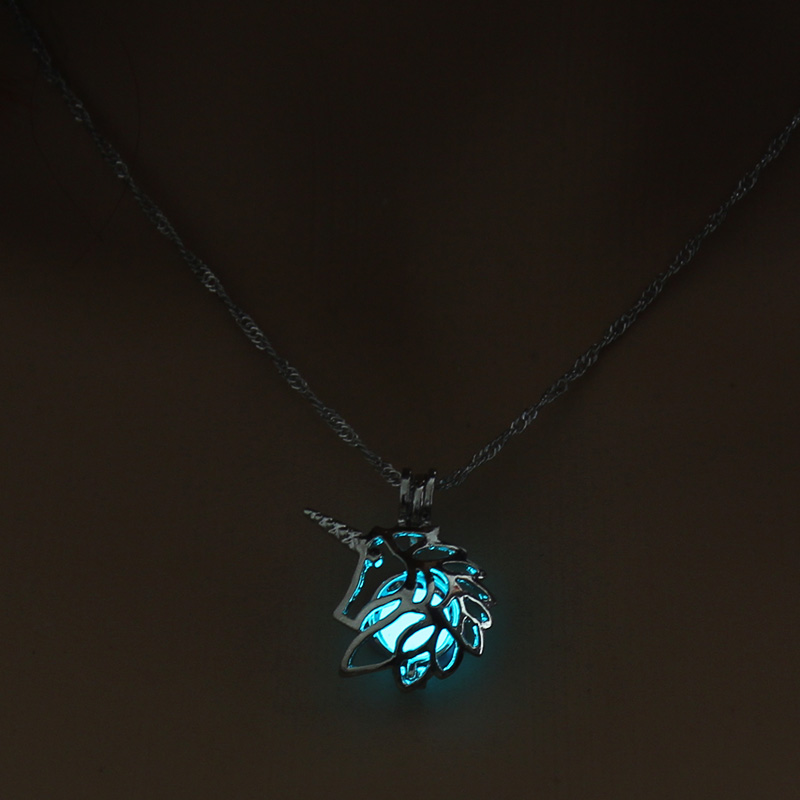 H7099ec3cb7d448458407cc01f1b68c8dp - 3 Colors Glowing In The Dark Lotus Flower Shaped Pendant Necklace Charm Chain Delicacy Necklace Luminous Party Jewelry Women