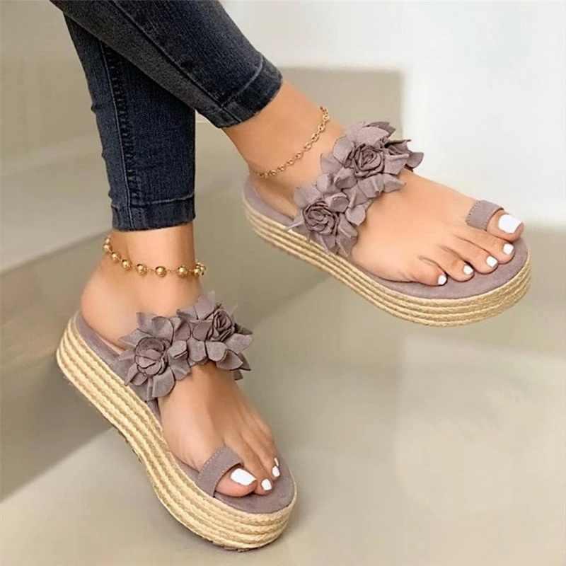 2020 yeni yaz çiçek ayak kadın terlik kama topuk kalın bayan platformu plaj sandaletleri terlik