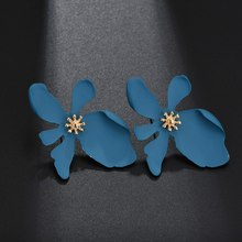 Korean Style Exaggerated Daisy Petals Earrings Ladies New Fashion Wild Stud  Women