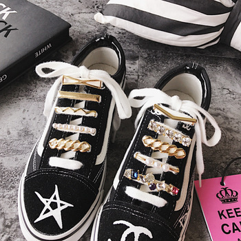 1Pcs Shoelaces Decoration Metal Shoelace Buckle White Pearl Shoe Accessories Shiny Rhinestones Women Shoes Decorative Accessory darseel shoe accessories shoelaces tax