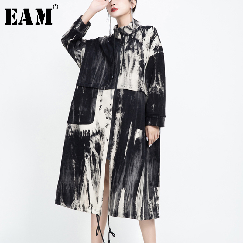 [EAM] Women Pattern Printed Big Size Long Trench New Stand Collar Long Sleeve Loose Fit Windbreaker Fashion Spring 2020 1U803