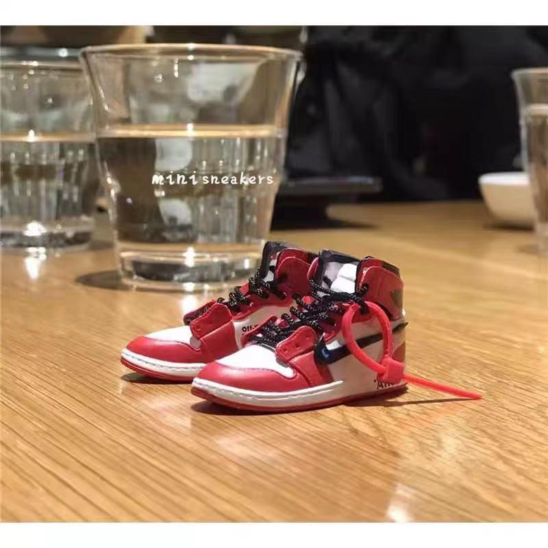 dropshipping aj1 offwhite Chicago sneaker keychain Air Jordan 1 3D Mini Sneaker Banned Sports shoe Sneaker keychains