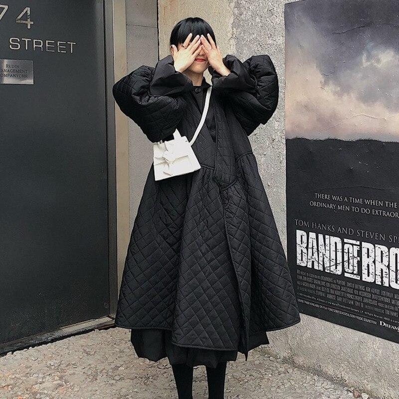 SHENGPALAE 2020 Black Korean Fashion Jackets New   V Collar Half Sleeve Loose Big Personality Large Hem Coat Women JL103