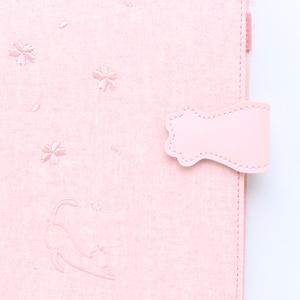 Image 5 - Domeque لطيف الإبداعية القط شكل مكتب مدرسة 6 خواتم إعادة الملء غلاف الموثق كشاكيل حلزونية طقم هدايا القرطاسية A5 A6